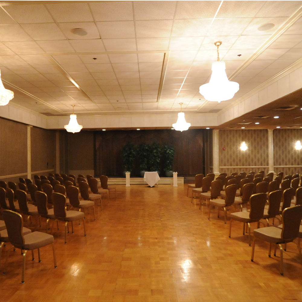 West Ballroom Chapel Style Dias Photo gallery